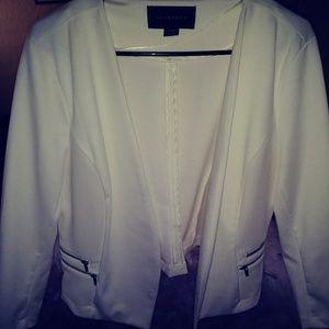 Like new off white blazer. (Metaphor)